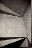 Analoge Fotografie, ´Lob ´Lob des Raumes, Sankt Gertrud `, 09.2010, G. Böhm, Cologne, black and white silver gelantine print, 21,7 cm x 14,8 cm